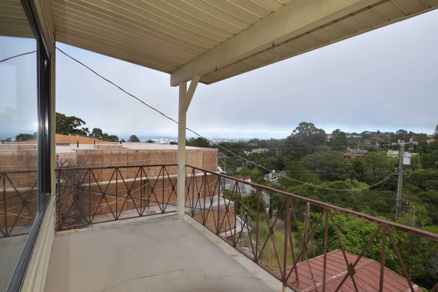 Additional photo for property listing at 1327 Vista Grande  Millbrae, California 94030 United States