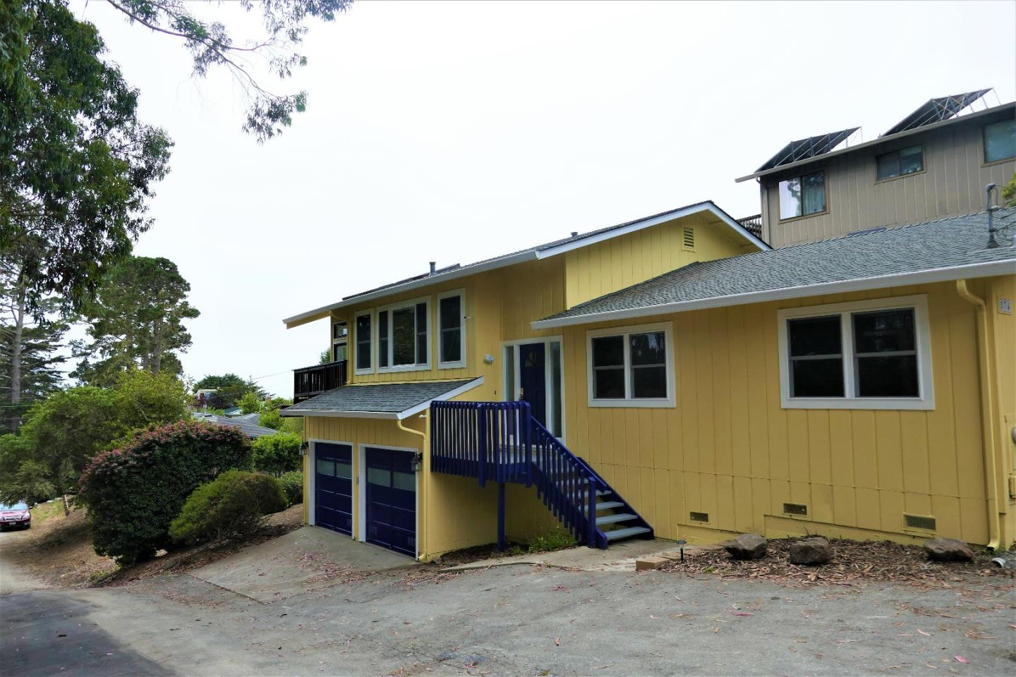 Single Family Home for Sale at 874 Buena Vista Street Moss Beach, California 94038 United States