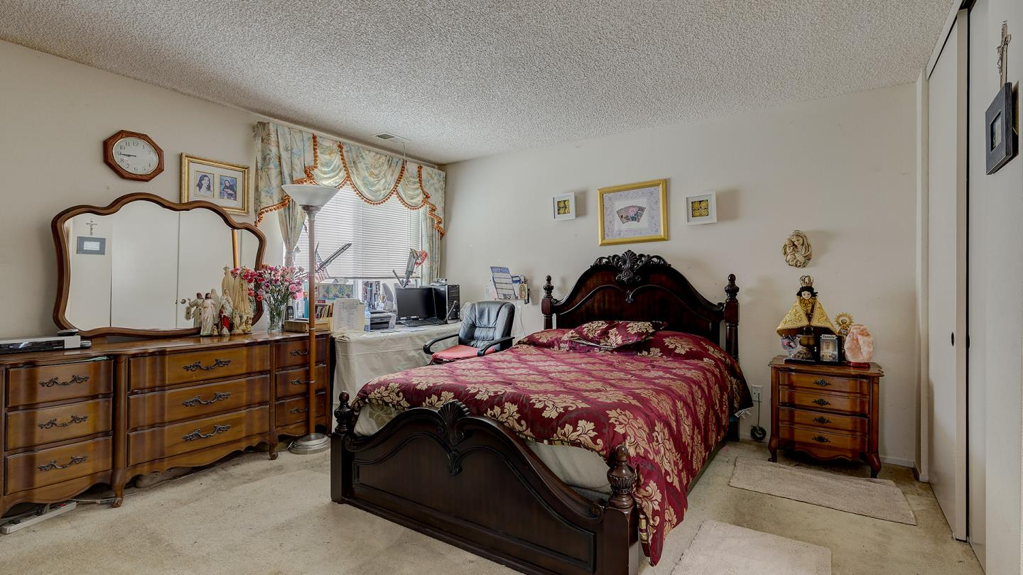 Additional photo for property listing at 304 Michelle Lane  Daly City, カリフォルニア 94015 アメリカ合衆国
