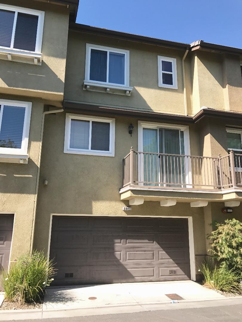 Таунхаус для того Продажа на 5043 Le Miccine Terrace San Jose, Калифорния 95129 Соединенные Штаты