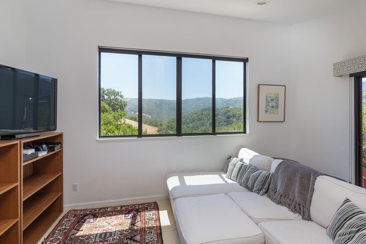 Additional photo for property listing at 11 Coalmine View 11 Coalmine View Portola Valley, Californie 94028 États-Unis