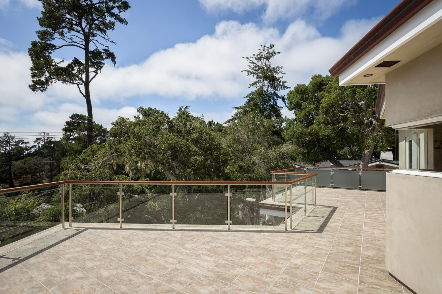 Additional photo for property listing at Monte Verde 2SE of 2nd Avenue  Carmel, California 93921 United States