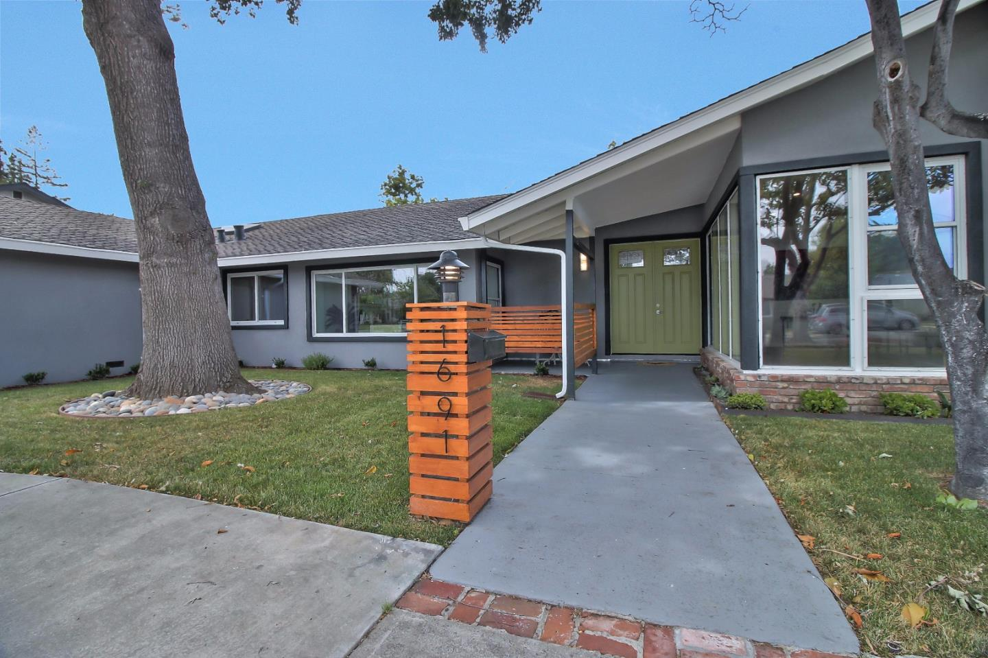 Additional photo for property listing at 1691 Santa Lucia Drive  San Jose, 加利福尼亞州 95125 美國