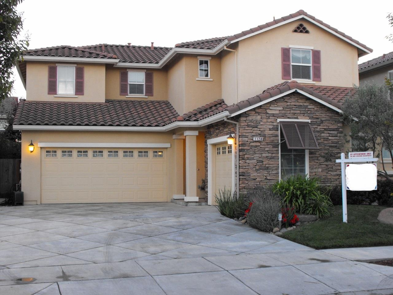 1128 Genoa Way, SALINAS, CA 93905