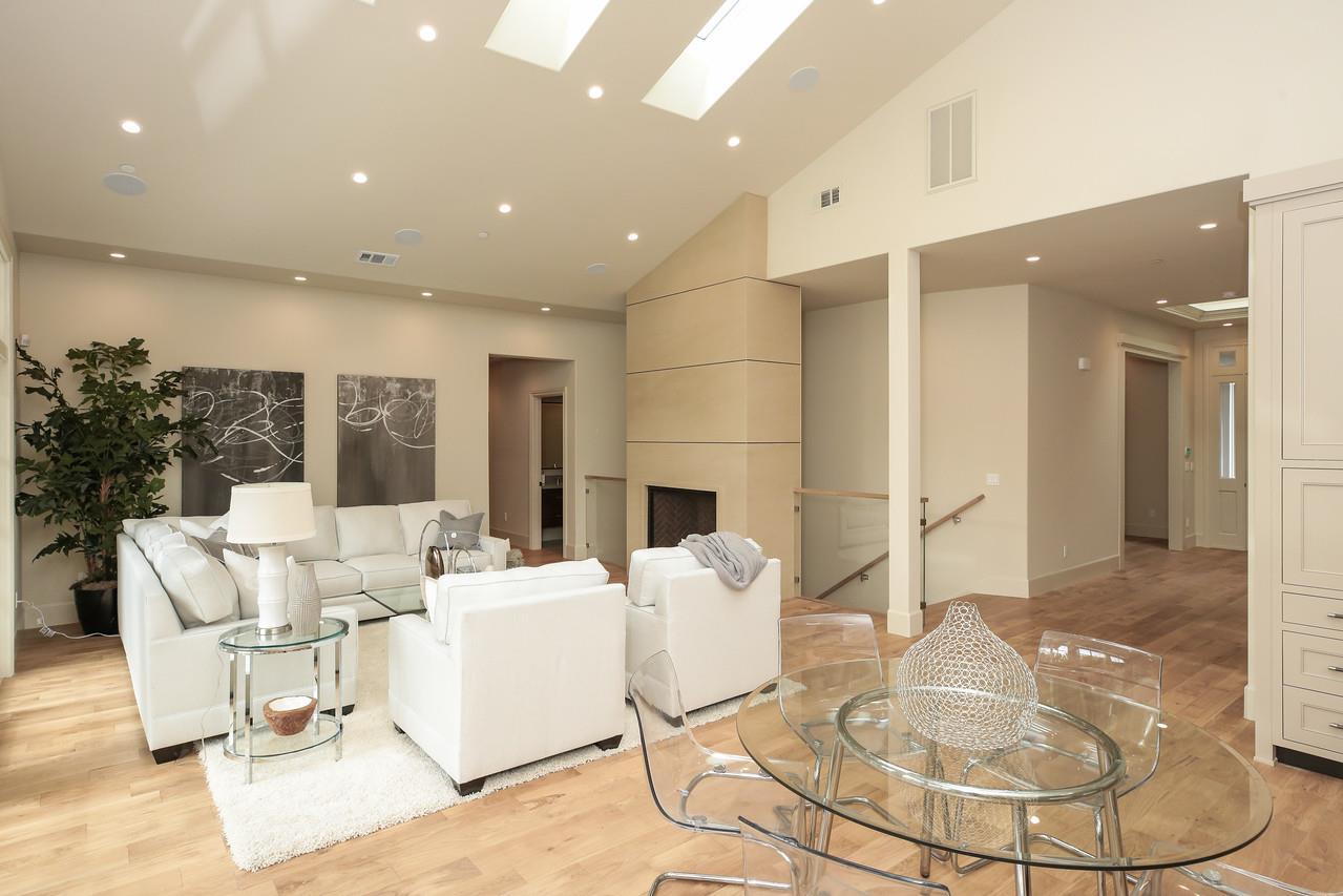 Additional photo for property listing at 190 Osage Avenue  Los Altos, California 94022 Estados Unidos