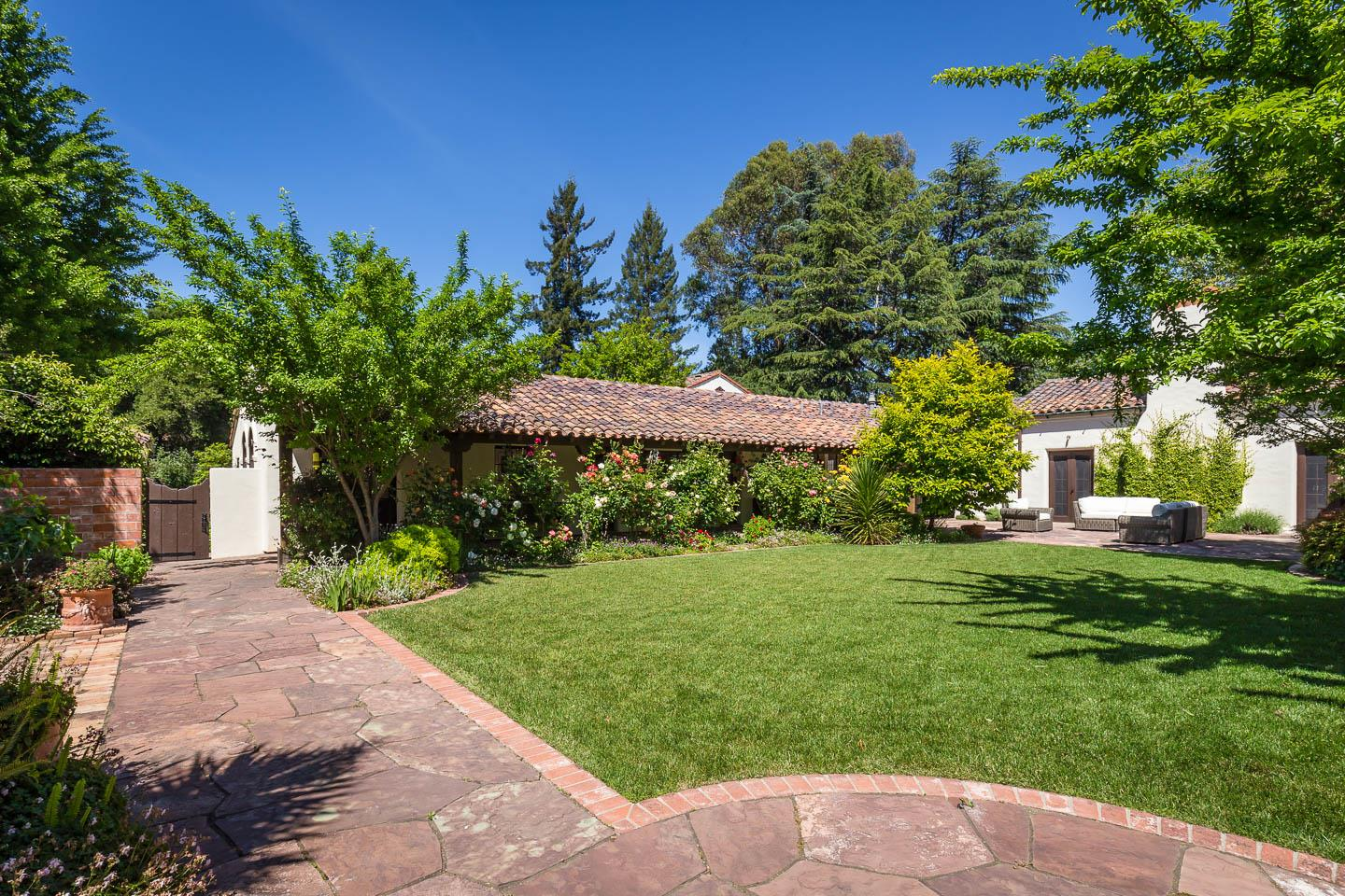 Additional photo for property listing at 420 Maple Street  Palo Alto, Californie 94301 États-Unis