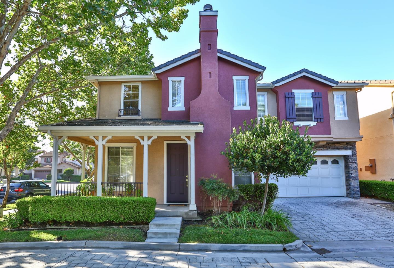 Maison unifamiliale pour l Vente à 2893 Rubino Circle San Jose, Californie 95125 États-Unis