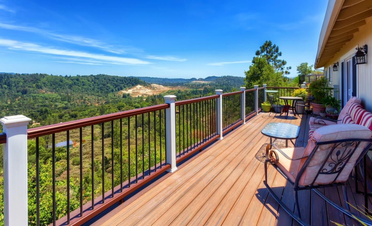 Single Family Home for Sale at 8100 Crown Drive Ben Lomond, California 95005 United States