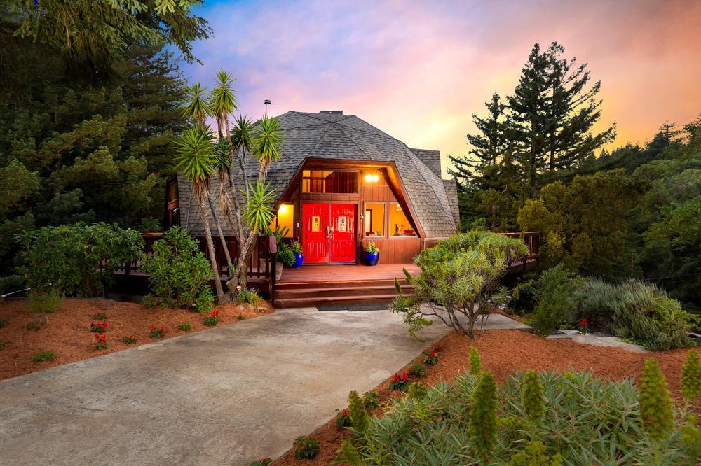Maison unifamiliale pour l Vente à 235 Dorrance Road Boulder Creek, Californie 95006 États-Unis