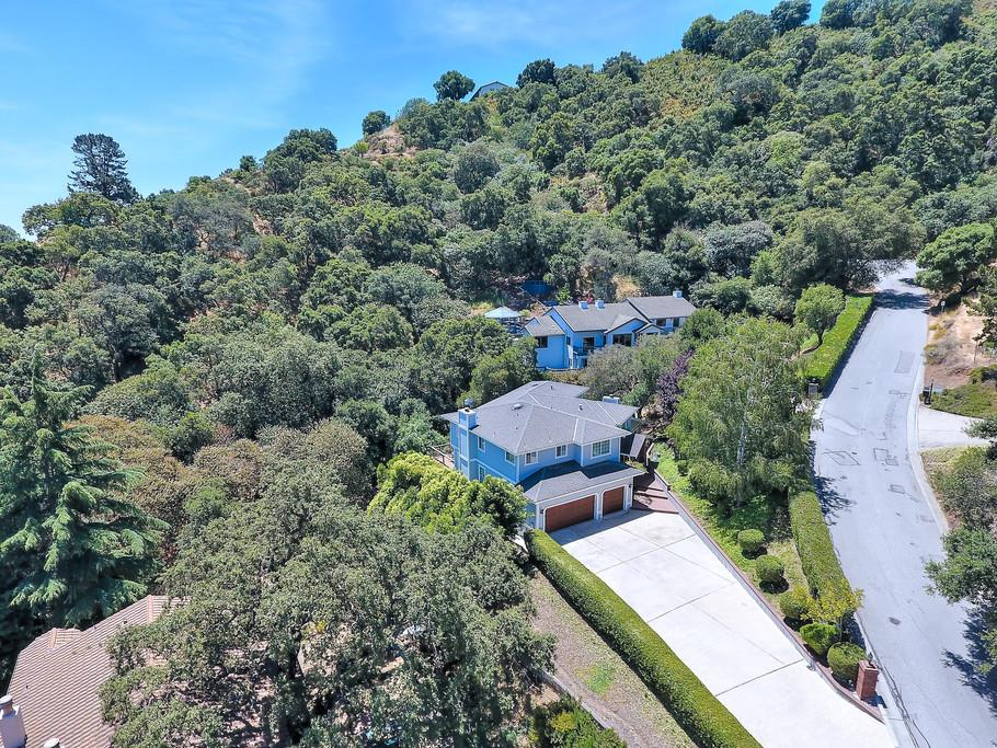 Additional photo for property listing at 1090 W Dunne Avenue 1090 W Dunne Avenue Morgan Hill, カリフォルニア 95037 アメリカ合衆国