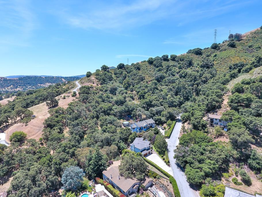 Additional photo for property listing at 1090 W Dunne Avenue  Morgan Hill, California 95037 United States