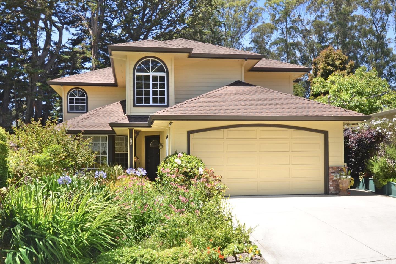 獨棟家庭住宅 為 出售 在 325 Arthur Avenue Aptos, 加利福尼亞州 95003 美國