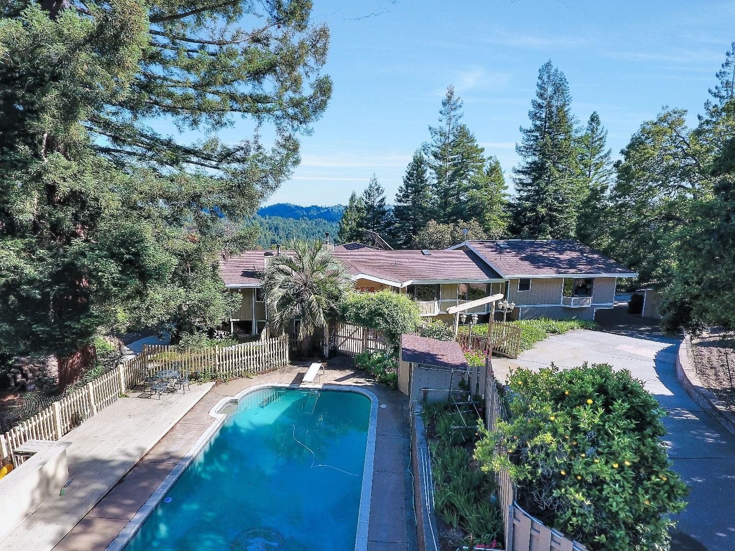 Additional photo for property listing at 23591 Hutchinson Road  Los Gatos, California 95033 United States