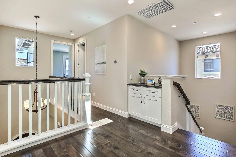 Additional photo for property listing at 966 Wren Court  Santa Clara, Californie 95051 États-Unis