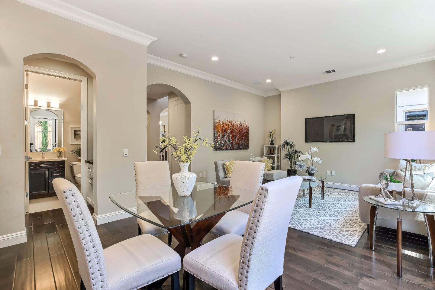 Additional photo for property listing at 966 Wren Court  Santa Clara, California 95051 Estados Unidos