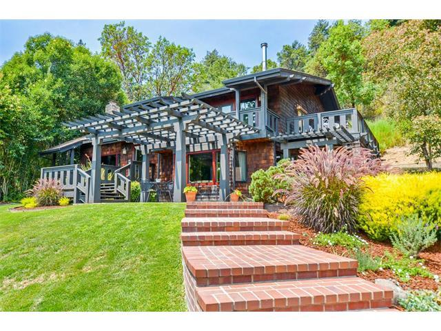 獨棟家庭住宅 為 出售 在 1181 Avocado Road Corralitos, 加利福尼亞州 95076 美國