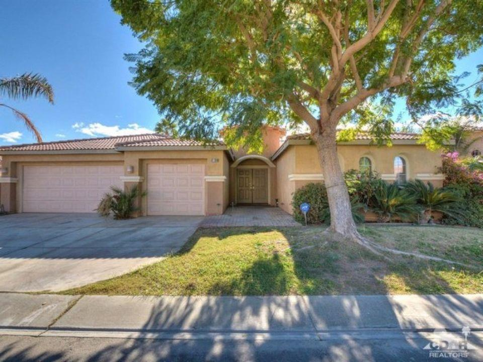 Single Family Home for Sale at 81369 Avenida Alamitos Indio, California 92201 United States