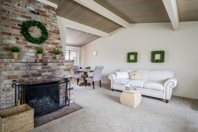 Einfamilienhaus für Verkauf beim 729 Rosemont Avenue Pacific Grove, Kalifornien 93950 Vereinigte Staaten