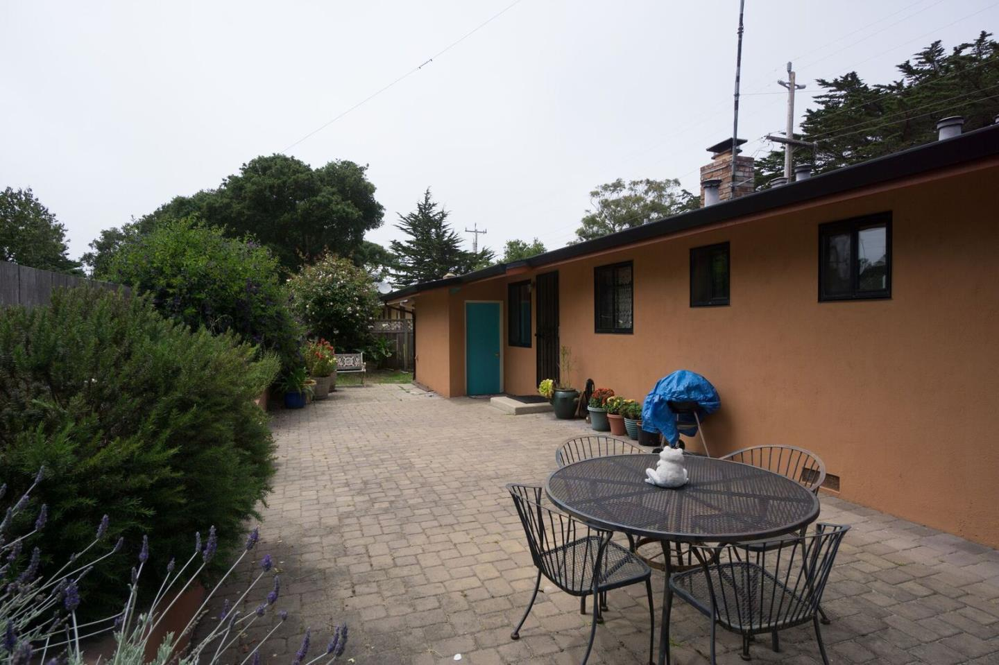 Additional photo for property listing at 729 Rosemont Avenue  Pacific Grove, Калифорния 93950 Соединенные Штаты