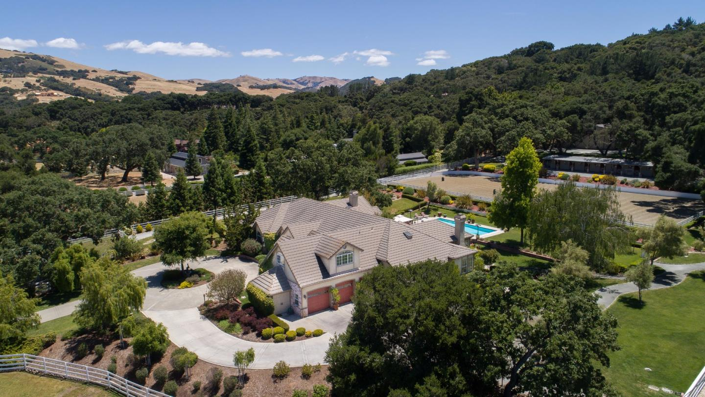 Additional photo for property listing at 6 Sleepy Hollow Drive  Carmel Valley, Californie 93924 États-Unis