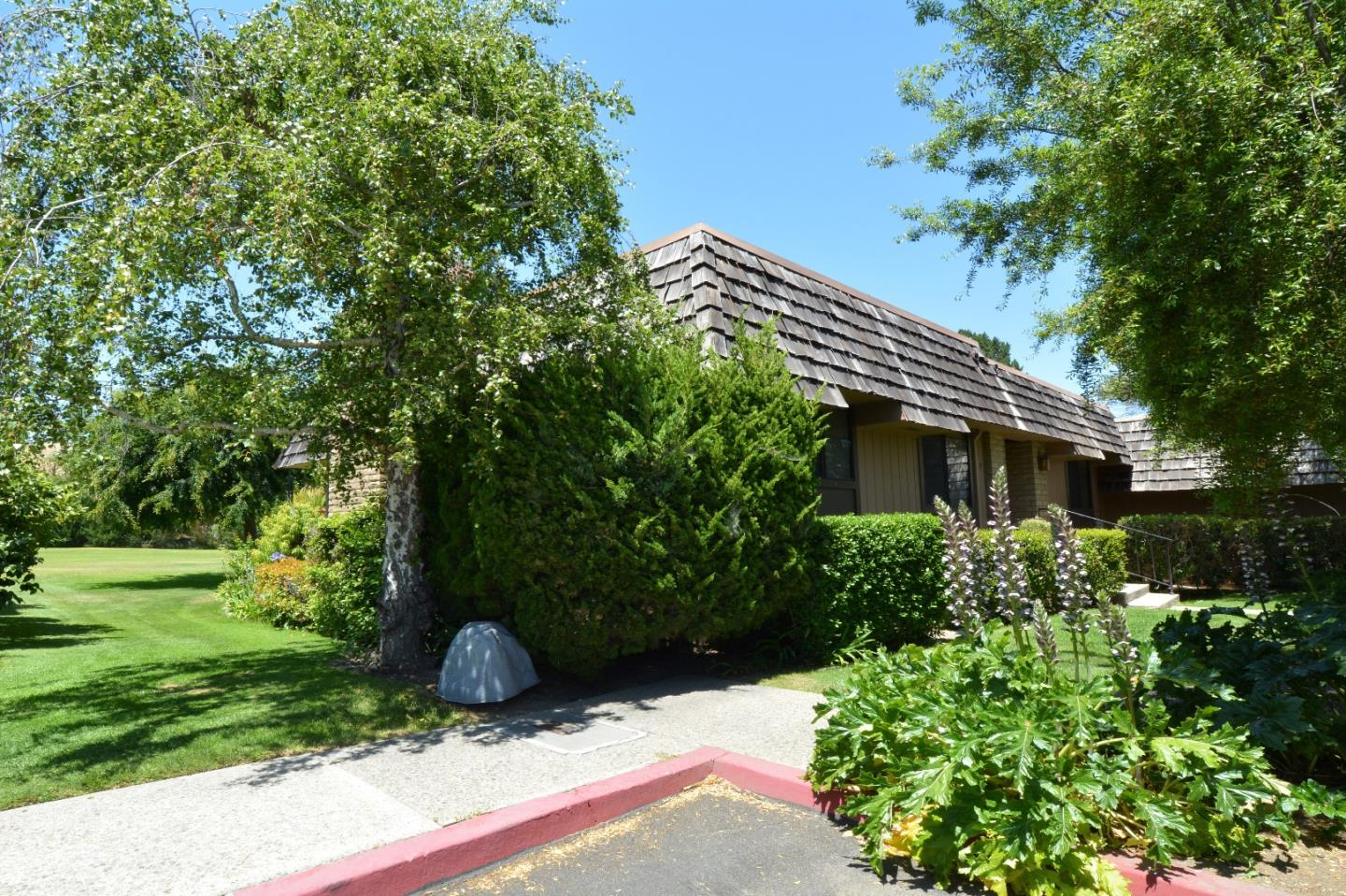 Additional photo for property listing at 23799 Monterey Salinas Highway  Salinas, California 93908 United States