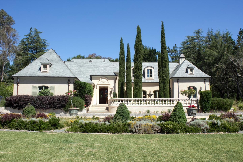 Maison unifamiliale pour l Vente à 12661 Robleda Road Los Altos Hills, Californie 94022 États-Unis