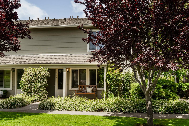 Casa unifamiliar adosada (Townhouse) por un Venta en 379 Catamaran Street Foster City, California 94404 Estados Unidos