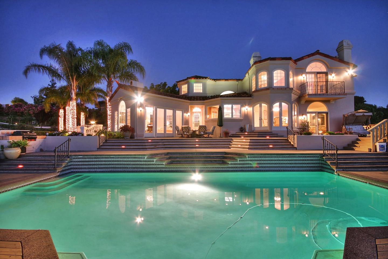 Частный односемейный дом для того Продажа на 12301 Vista Arroyo Court Saratoga, Калифорния 95070 Соединенные Штаты