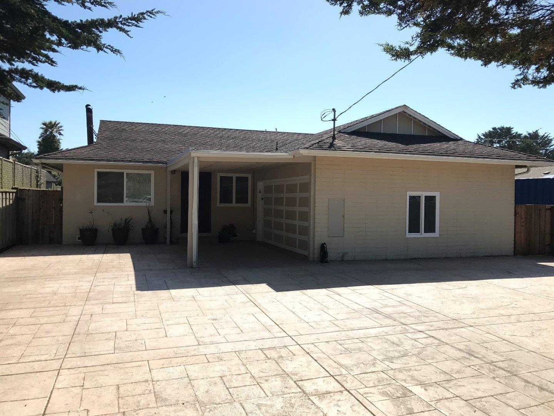 Casa Unifamiliar por un Venta en 9500 Cabrillo Highway Moss Beach, California 94038 Estados Unidos