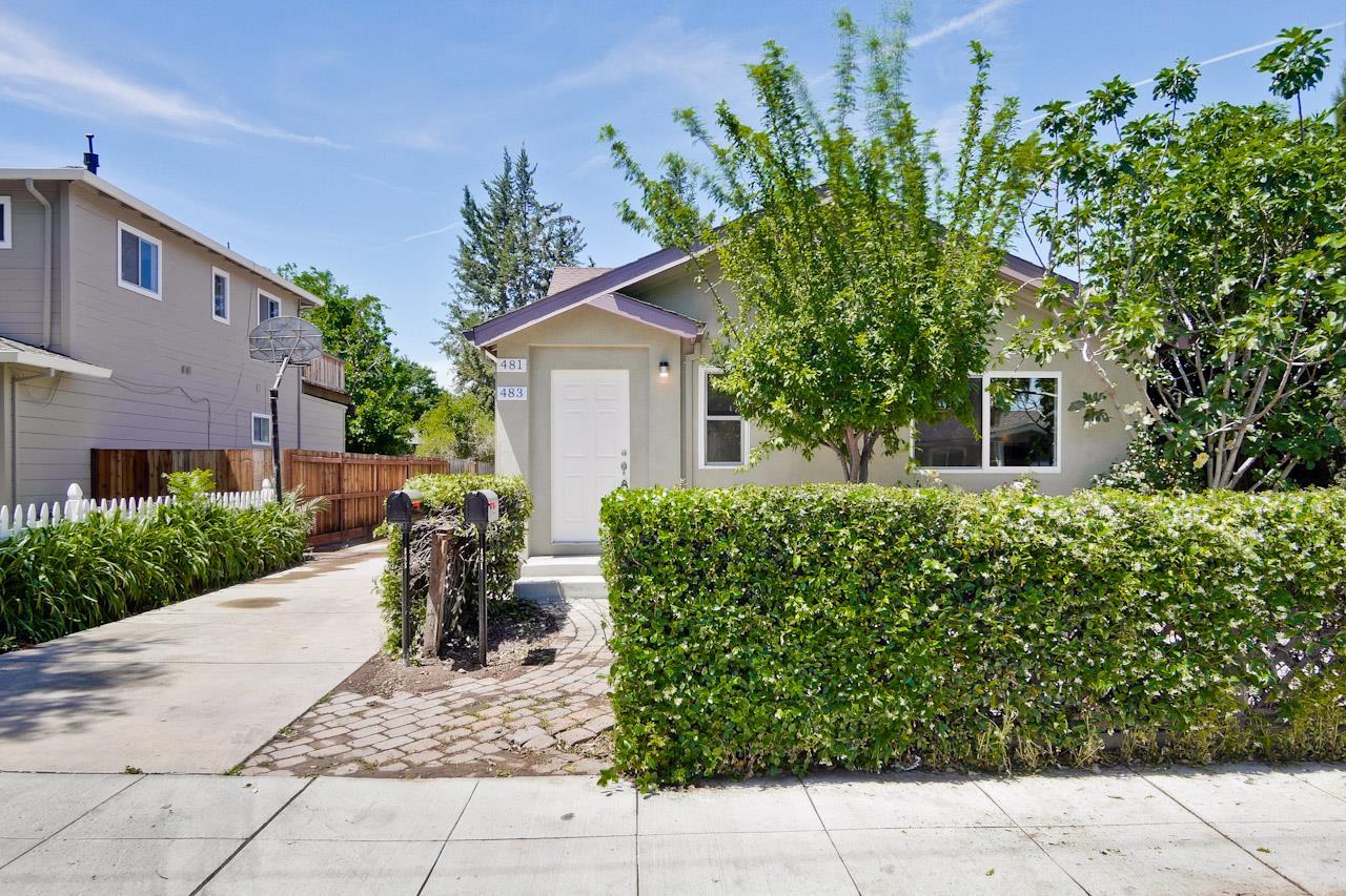 Maison avec plusieurs logements pour l Vente à 481-483 Morse Avenue Sunnyvale, Californie 94085 États-Unis