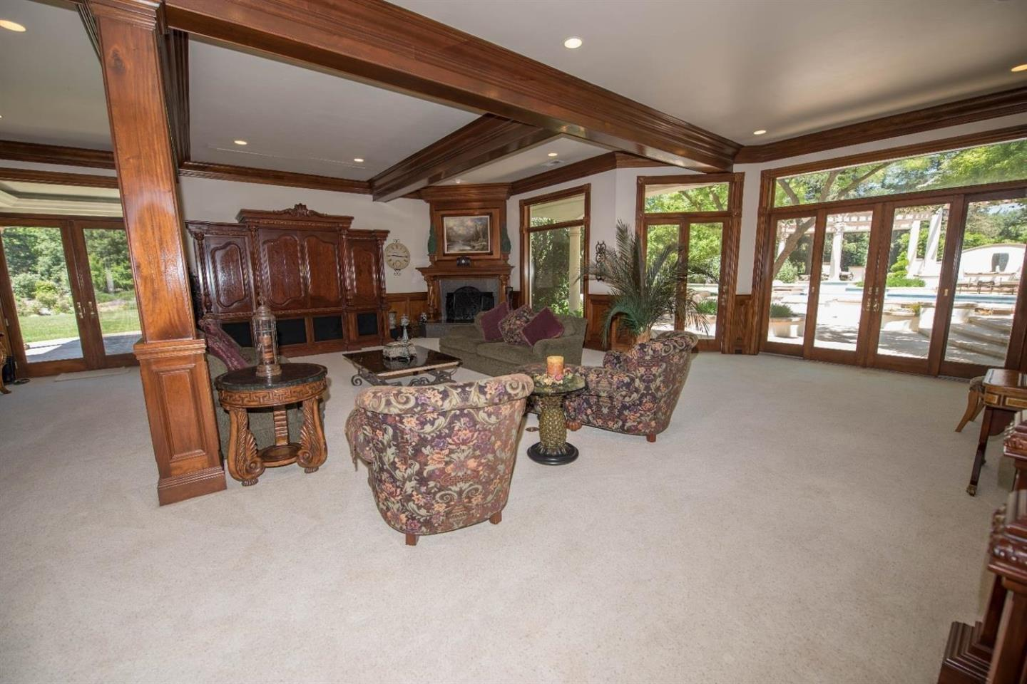 Additional photo for property listing at 2796 E Silaxo Road  Clovis, California 93619 United States
