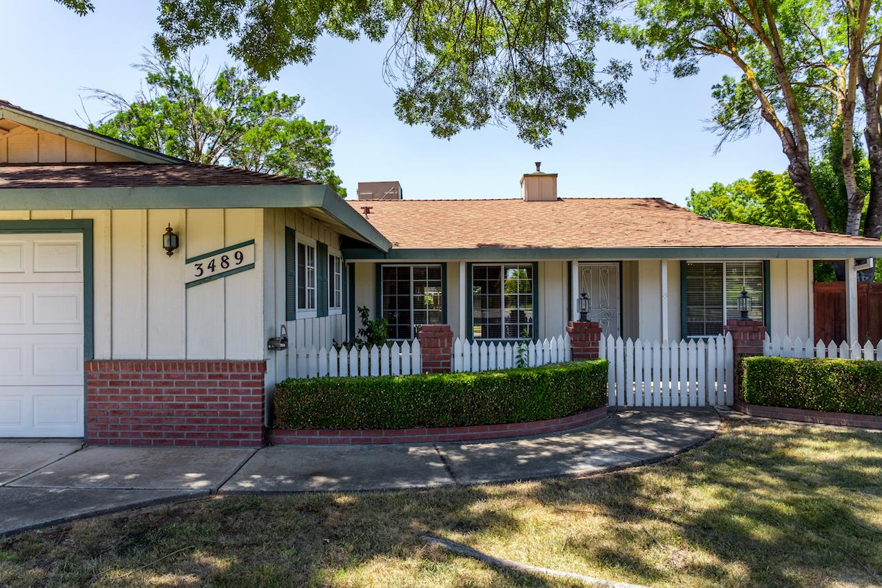 Single Family Home for Sale at 3489 Clouds Rest Court Merced, California 95340 United States