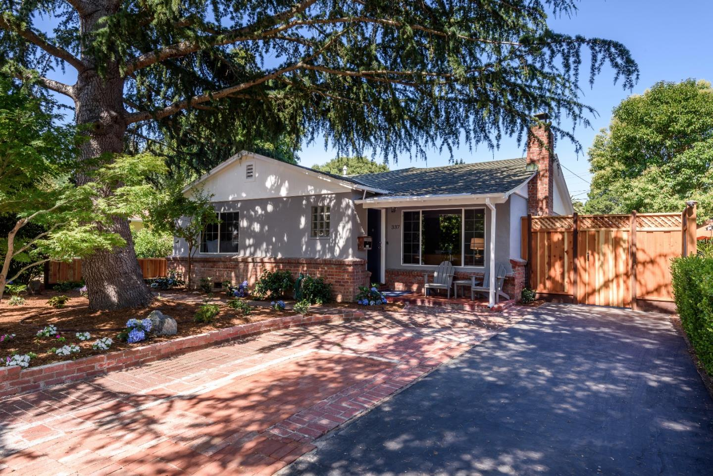 Additional photo for property listing at 337 Central Avenue  Menlo Park, California 94025 United States