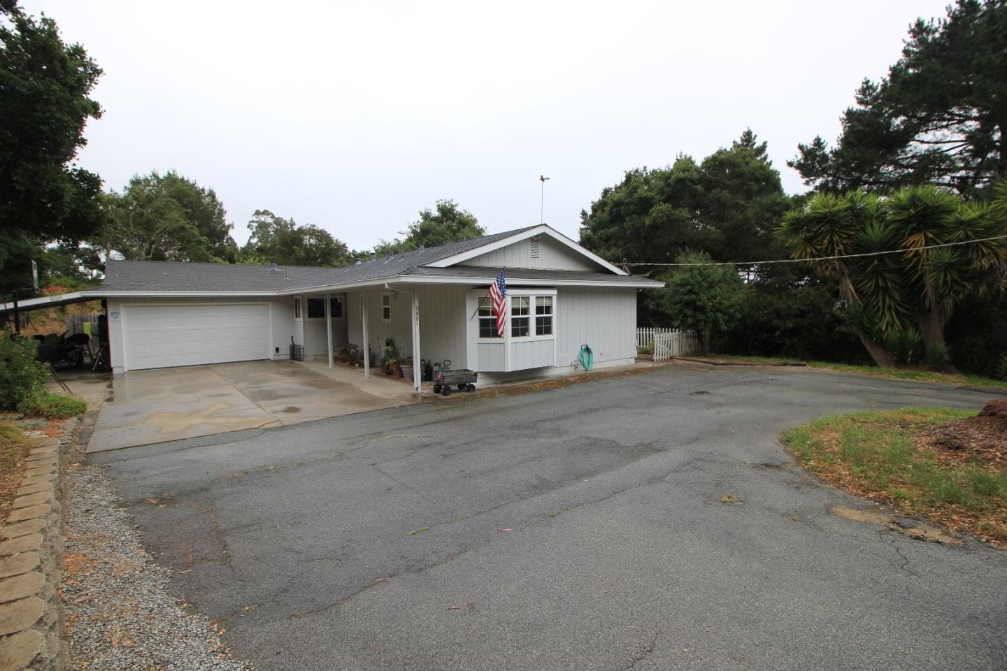 Additional photo for property listing at 395 Echo Valley Road  Salinas, カリフォルニア 93907 アメリカ合衆国