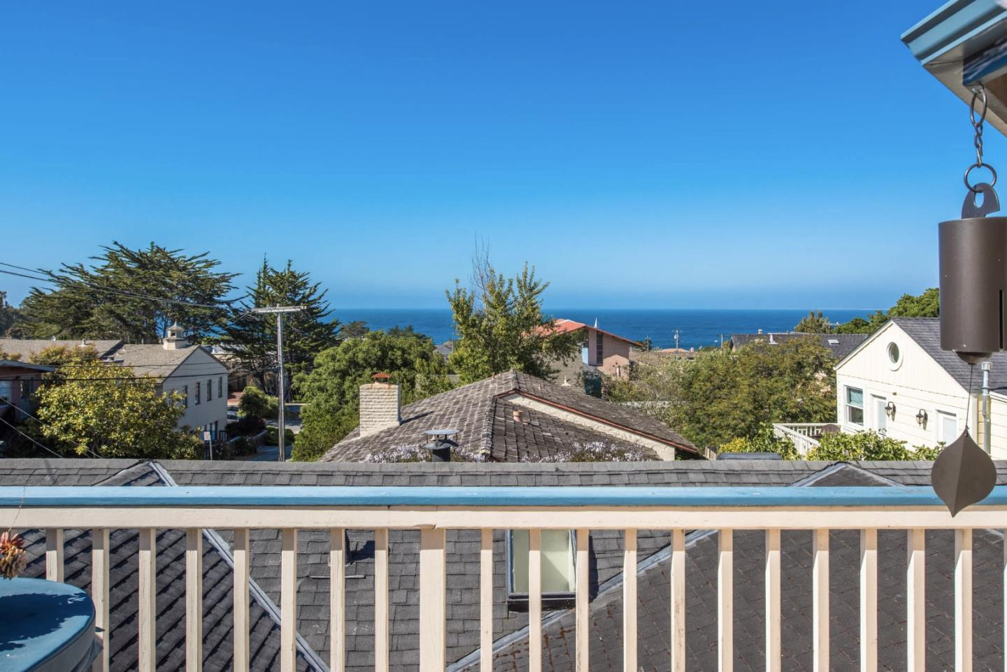 Additional photo for property listing at 211 10th Street  Pacific Grove, California 93950 United States