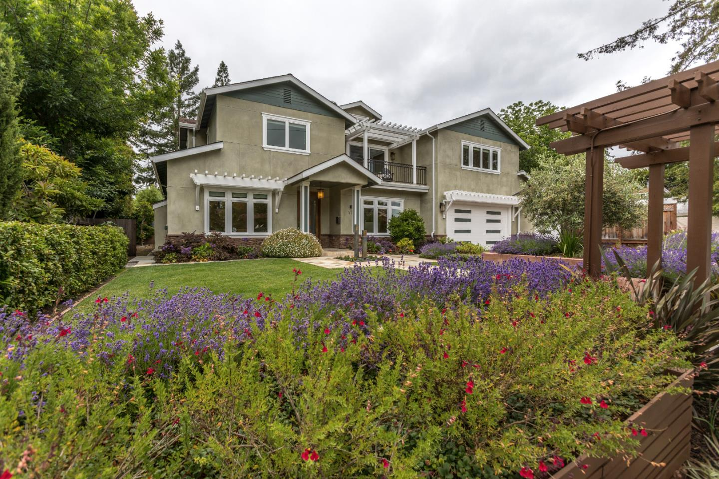 Single Family Home for Sale at 179 Inner Circle Redwood City, California 94062 United States