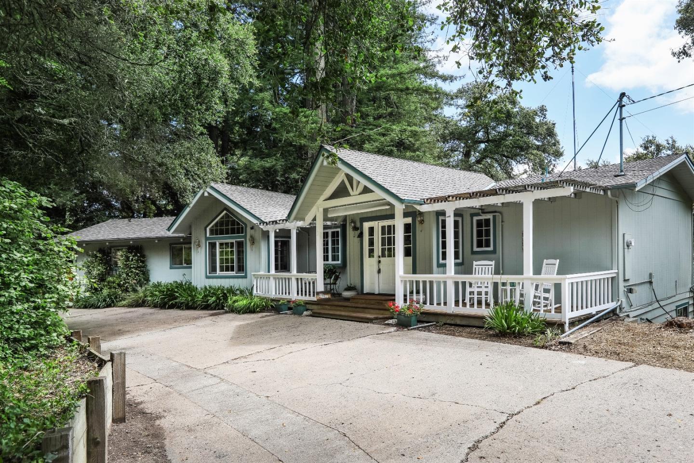 Частный односемейный дом для того Продажа на 23640 Old Santa Cruz Highway Los Gatos, Калифорния 95033 Соединенные Штаты