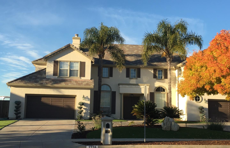 獨棟家庭住宅 為 出租 在 2128 Hillstone Drive San Jose, 加利福尼亞州 95138 美國