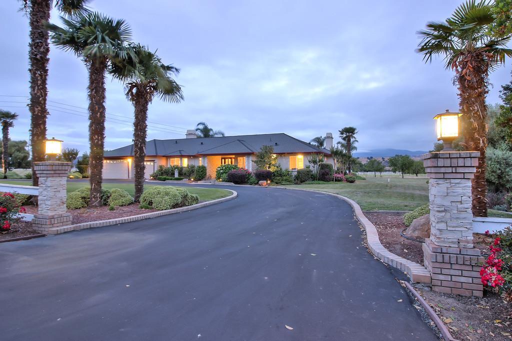 獨棟家庭住宅 為 出售 在 5642 Diablo Hills Road Tres Pinos, 加利福尼亞州 95075 美國