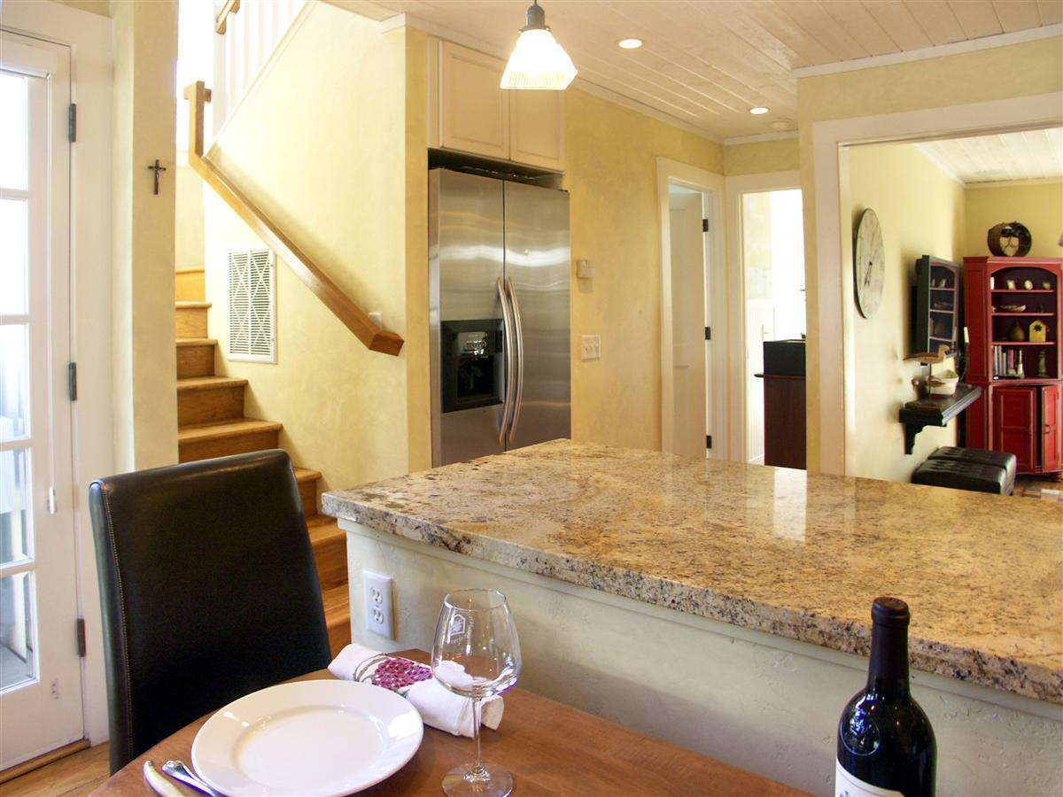 Additional photo for property listing at 136 19th Street  Pacific Grove, Californie 93950 États-Unis