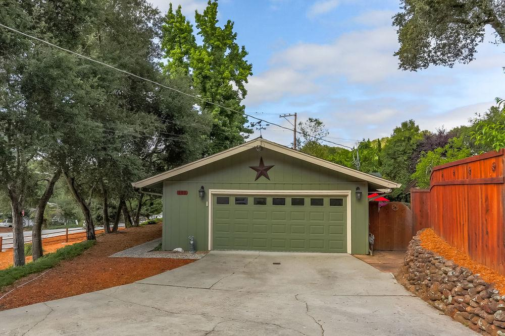 Casa Unifamiliar por un Venta en 101 Hidden Valley Drive Ben Lomond, California 95005 Estados Unidos