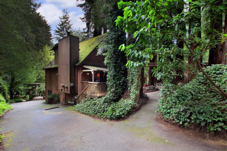 獨棟家庭住宅 為 出售 在 819 Hillcrest Drive Felton, 加利福尼亞州 95018 美國