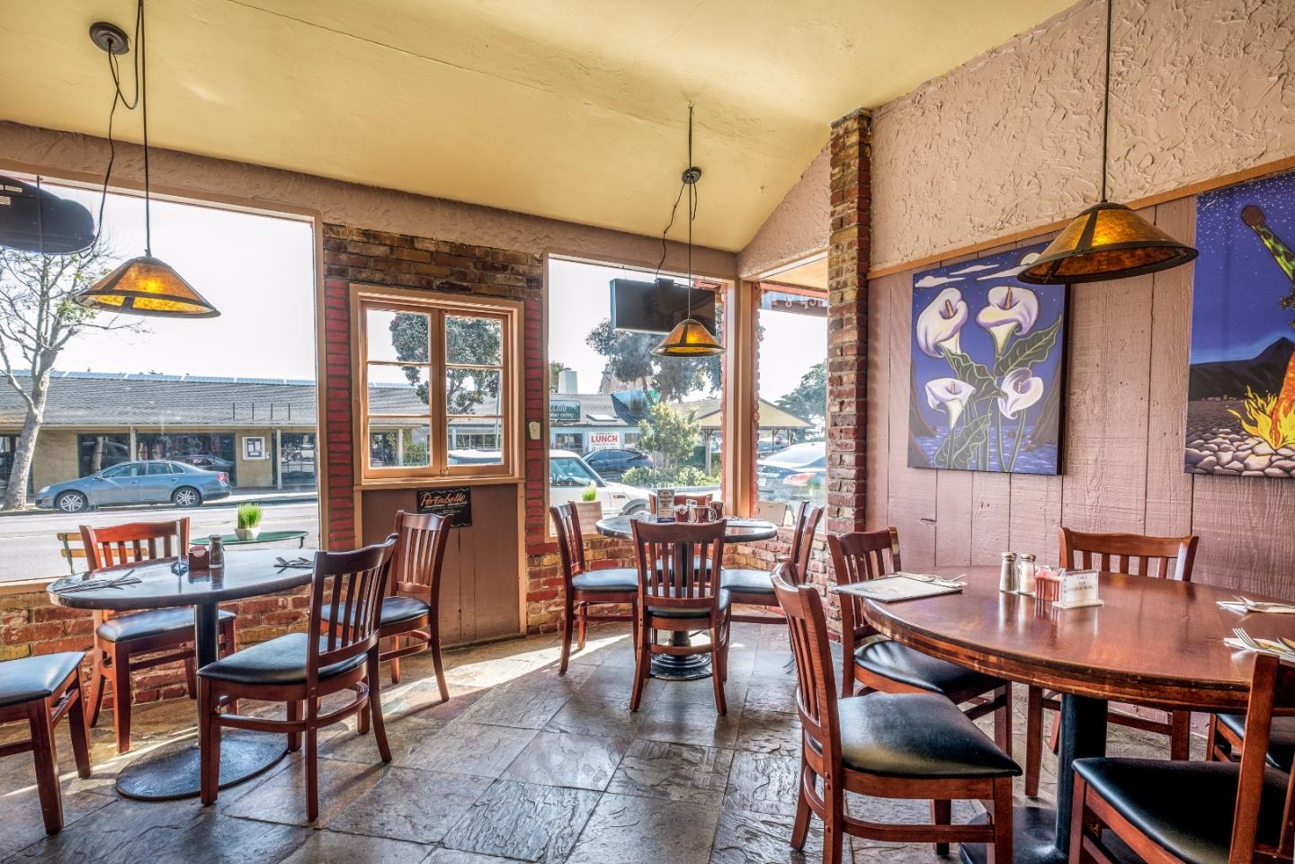 Additional photo for property listing at 113 Central Avenue  Pacific Grove, カリフォルニア 93950 アメリカ合衆国