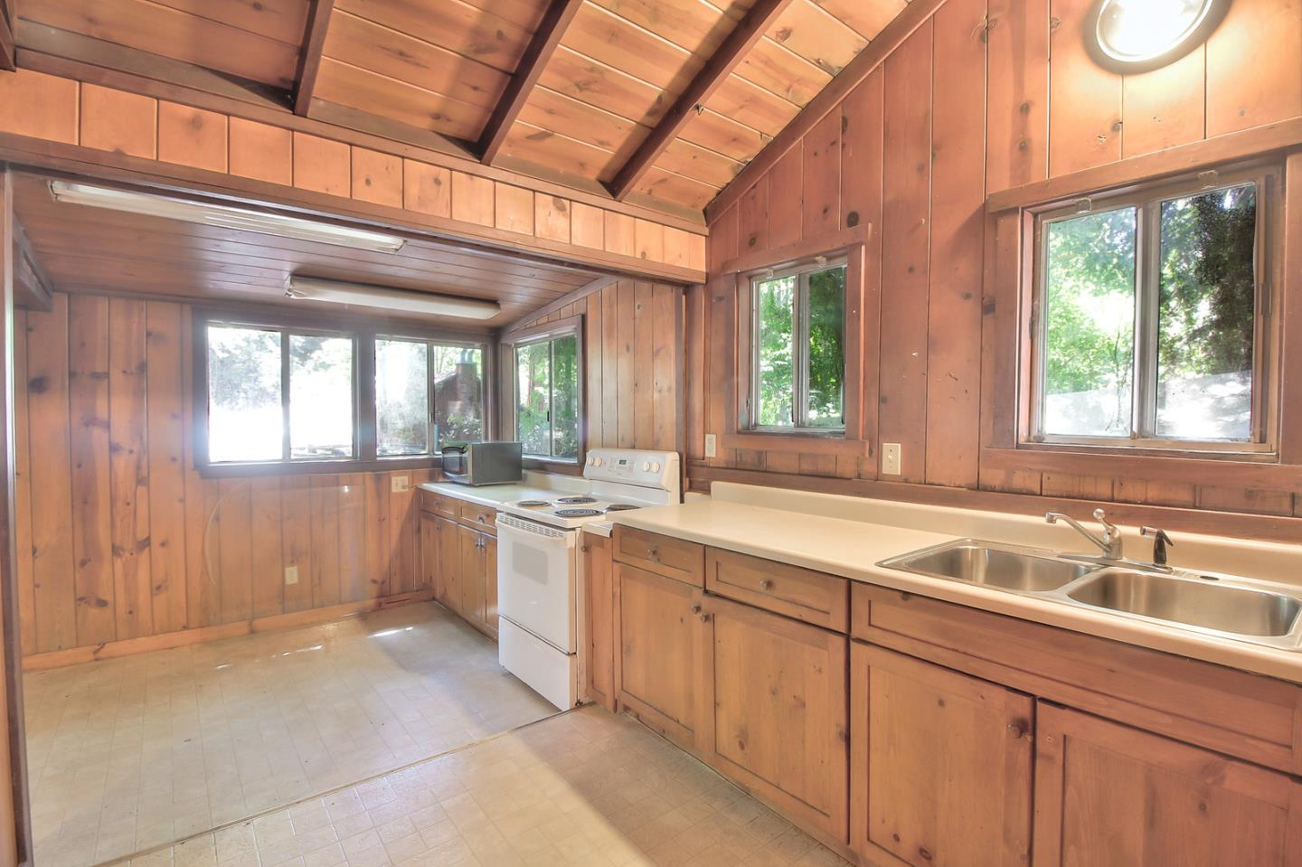 Additional photo for property listing at 265 Fern Drive  Boulder Creek, California 95006 United States