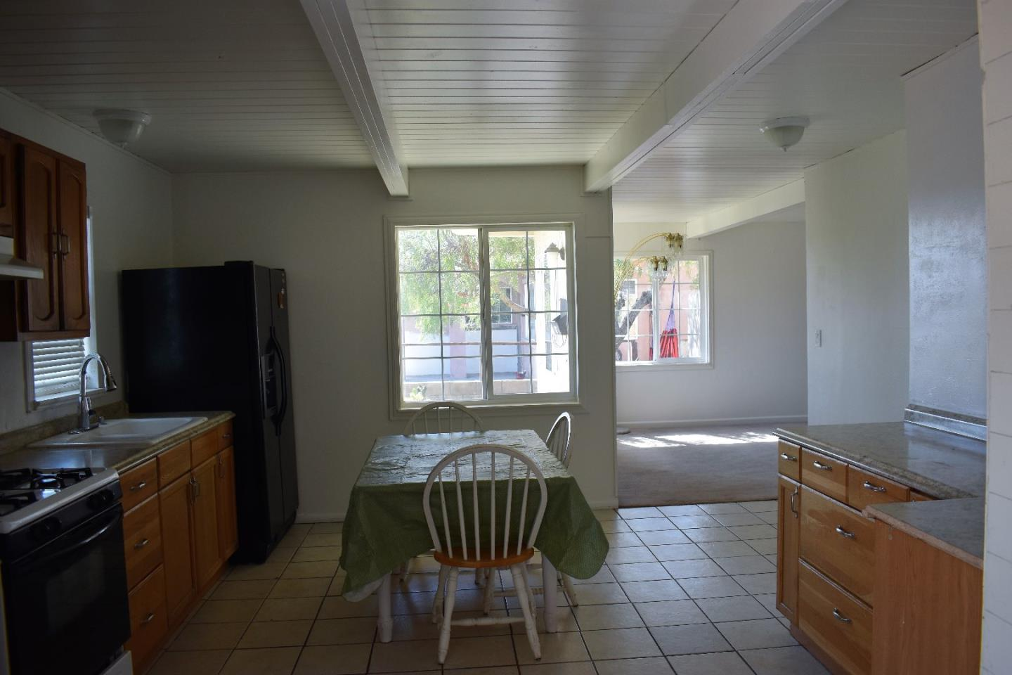 Additional photo for property listing at 527 Chaparral Street  Salinas, 加利福尼亞州 93906 美國
