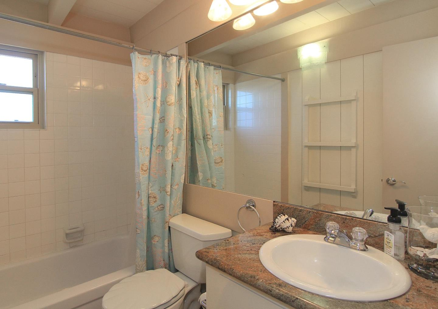 Additional photo for property listing at 108 Willet Circle  Watsonville, 加利福尼亞州 95076 美國