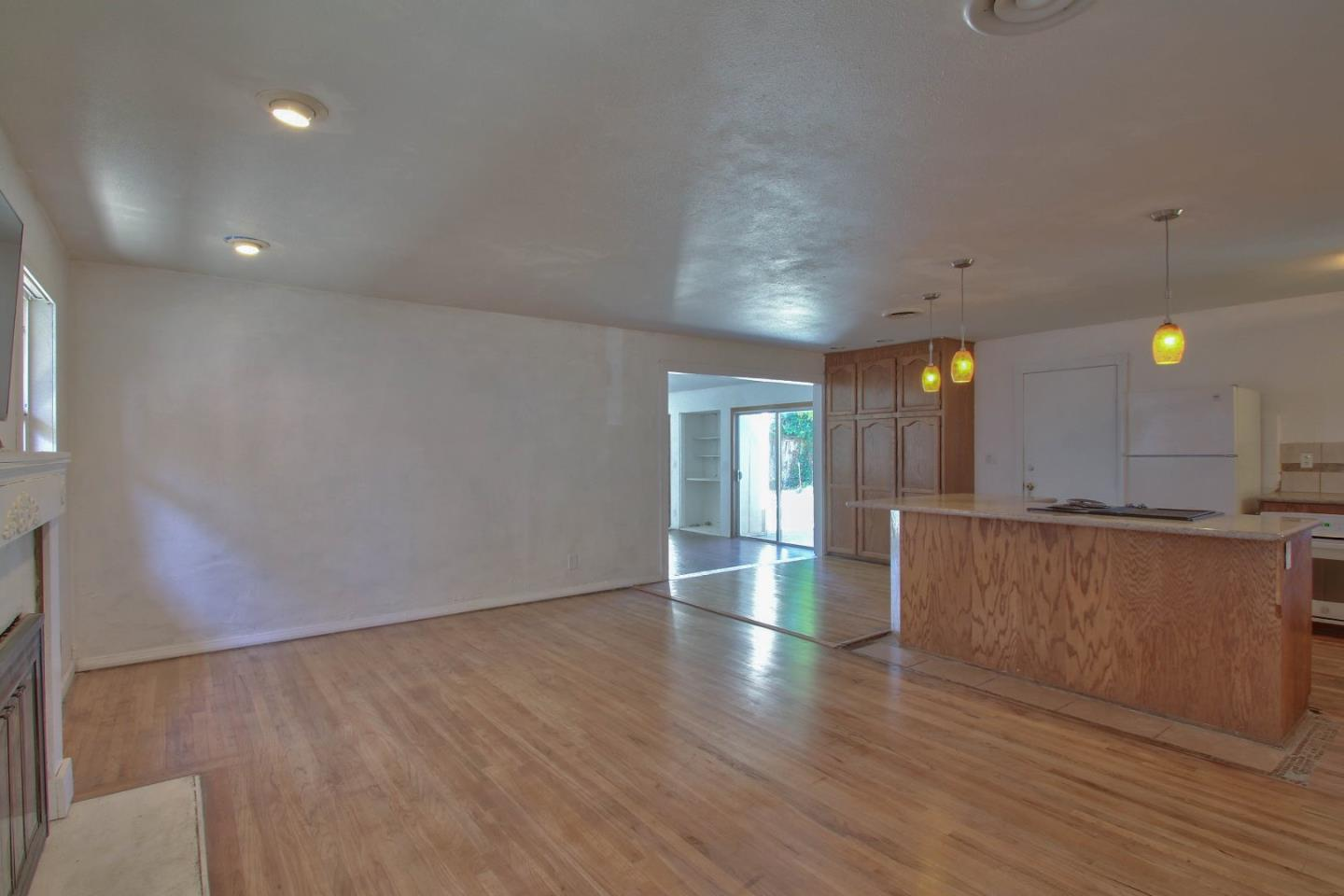 Additional photo for property listing at 1334 Riker Street  Salinas, California 93901 Estados Unidos