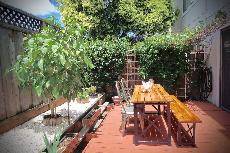 Additional photo for property listing at 1462 Calabazas Boulevard  Santa Clara, California 95051 Estados Unidos