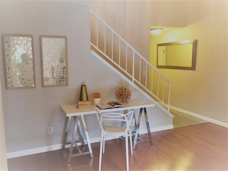 Additional photo for property listing at 1462 Calabazas Boulevard  Santa Clara, Californie 95051 États-Unis