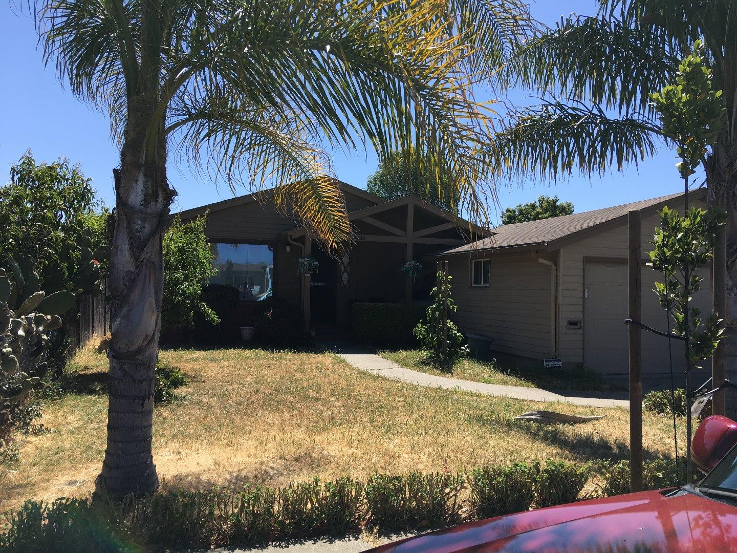Additional photo for property listing at 2590 Gloria Way  East Palo Alto, Californie 94303 États-Unis